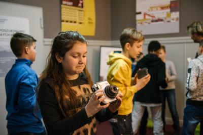 fotoplastikon_warsztaty dla dzieci_polaroid_jacek_bonecki_lekcja_10