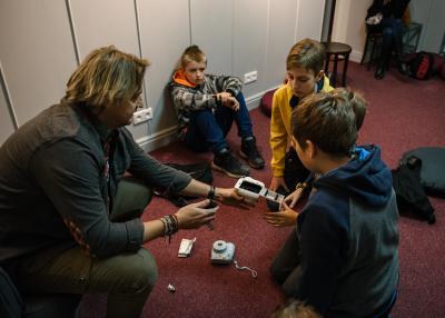 fotoplastikon_warsztaty dla dzieci_polaroid_jacek_bonecki_lekcja_2